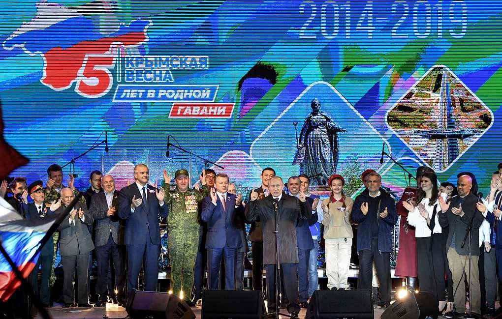俄总统普京:接纳克里米亚加入俄罗斯联邦是出于国家长期利益