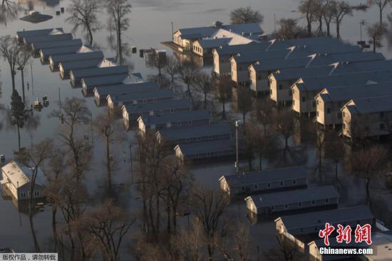 美国中西部洪灾已致2人死亡 多州宣布进入紧急状态