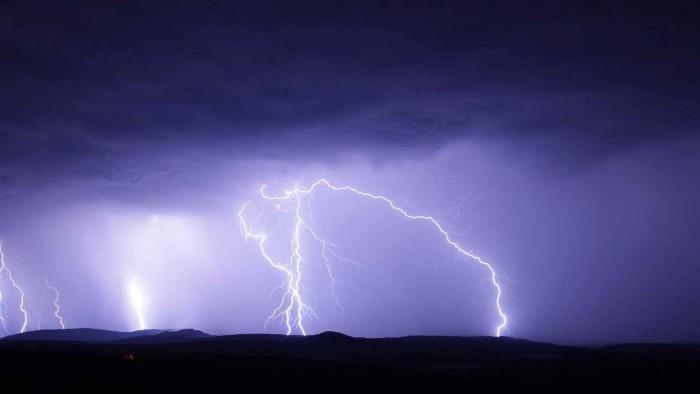 科学家观测到强大无比的雷暴 有13亿伏特电势