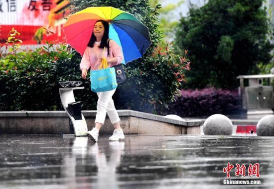 北方地区大风降温 中东部地区将有短时强降水等天气