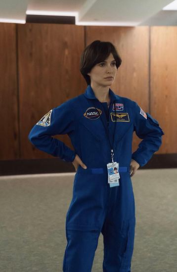 《天空中的露西》发预告 娜塔莉·波特曼飞向太空