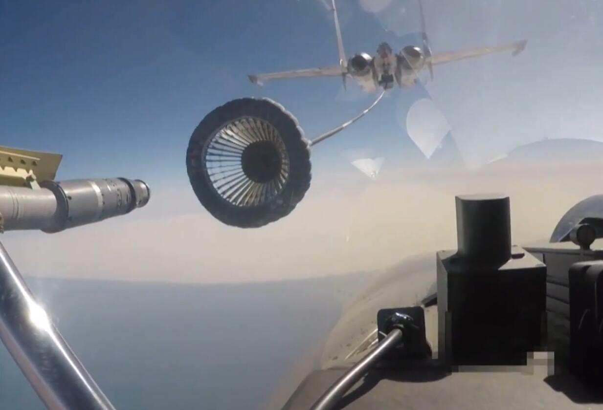 除伙伴加油外 美军已开始研究无人舰载机加油机