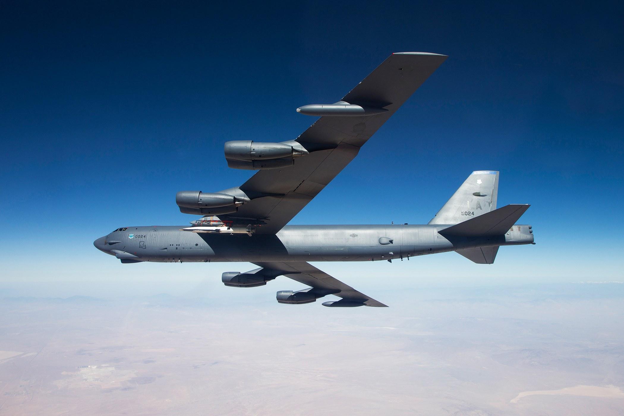 美宣布在欧洲部署6架B-52轰炸机 向俄发出信号