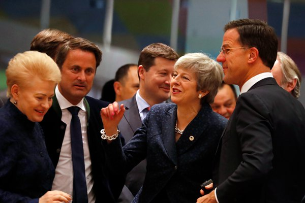 欧盟峰会通过决议草案:同意英国脱欧延期至5月22日