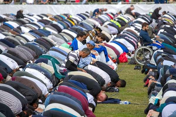 新西兰全国默哀两分钟 纪念清真寺枪击案遇难者