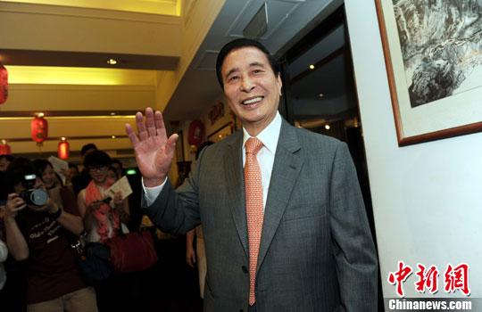港媒:香港地产富豪李兆基拟退休 交棒两儿子掌商业帝国