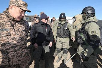 美俄配备供着:蒙古最老牌队伍举行战术演练