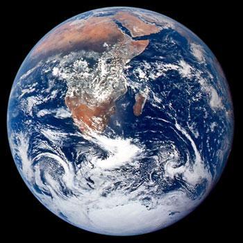 NASA大理石行星图像从不同角度展现木星风暴气旋