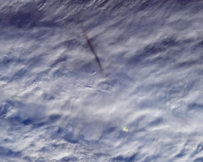 """NASA捕获在白令海上空出现的""""怪物""""流星火球"""