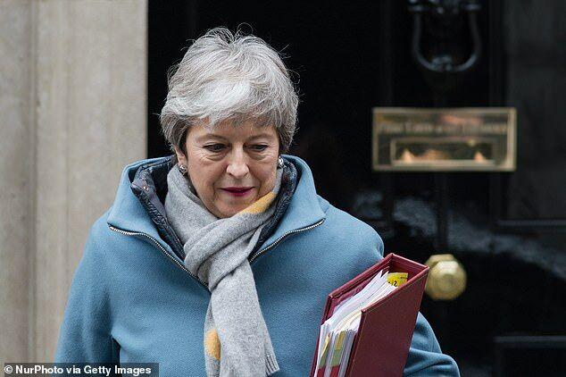 """英媒:内阁酝酿""""政变"""",要废黜首相特雷莎·梅"""