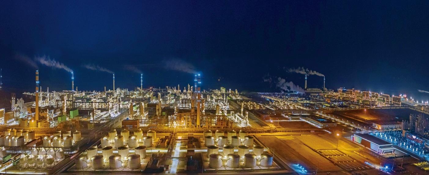 超大炼化项目片面投产 恒力股份迎来业绩发作