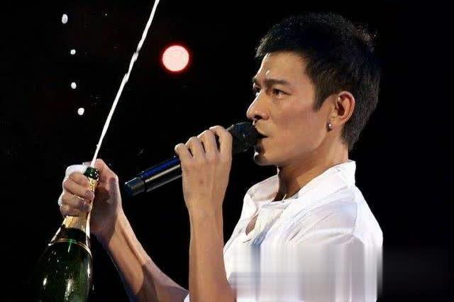 刘德华演唱会排到2020年,众多粉丝都希望别开