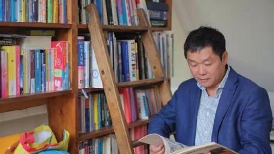 英媒:英华人买下梵高故居 在地板下发现…