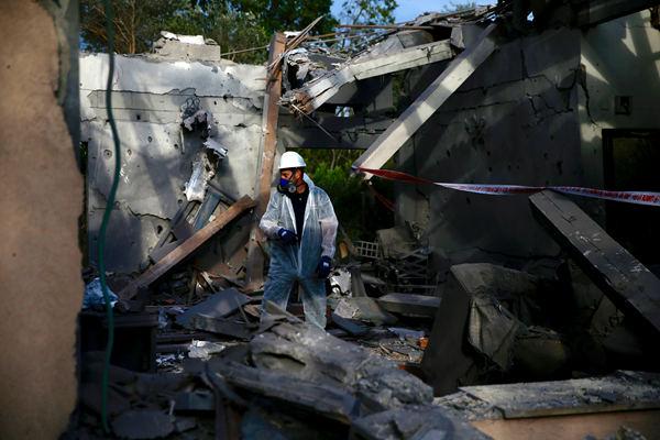 以色列称居民点房屋遭火箭弹击中 致数人受伤