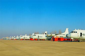 北部战区海航机场有这么多架高新战机