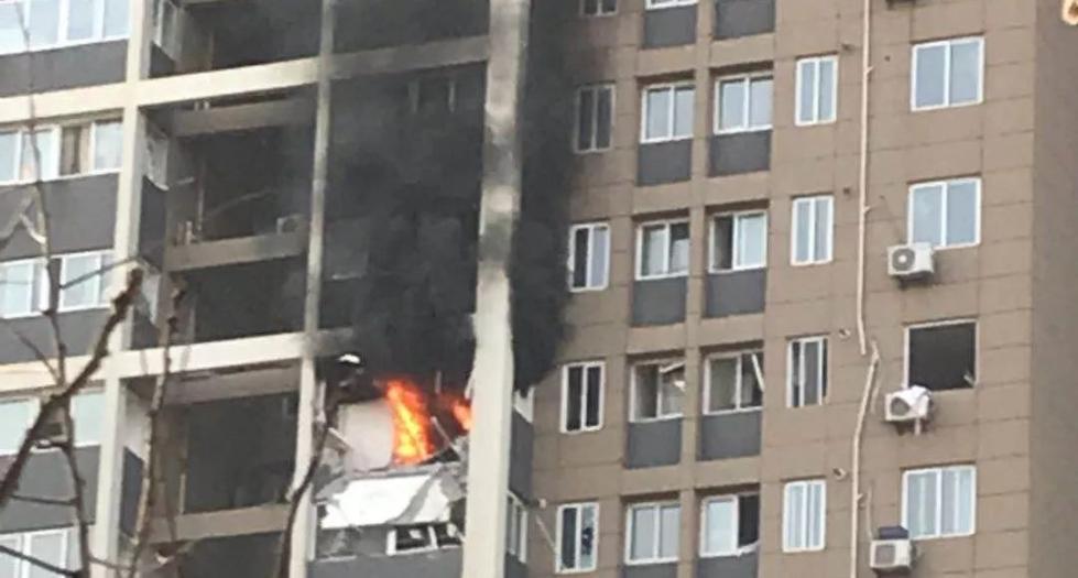 西安小区闪爆事故中死者为50岁左右男子 邻居火中救人细节曝光 让人泪目!