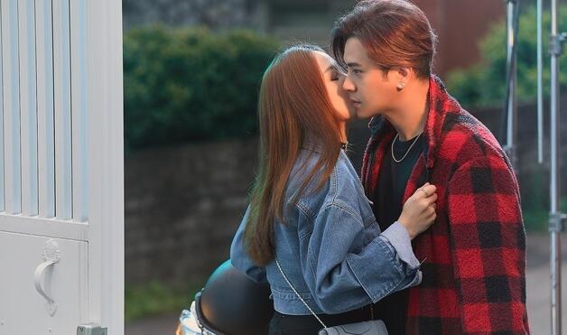 罗志祥邀陈乔恩拍新歌MV 自曝吻戏前用漱口水