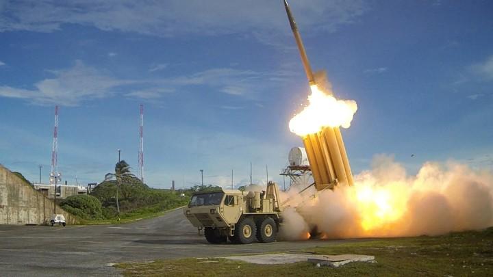 美军首次齐射拦截弹反导 欢呼取得里程碑式成功