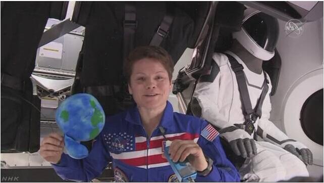 尴尬!国际空间站首次全女性太空行走取消,只因航天服不够