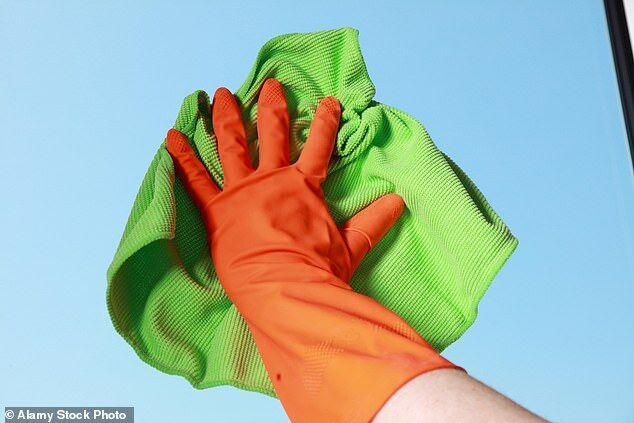 英研究:手套携带细菌量为马桶圈5倍多