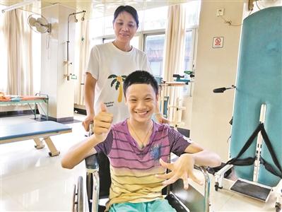 最美的坚持:她照顾脑瘫儿15年