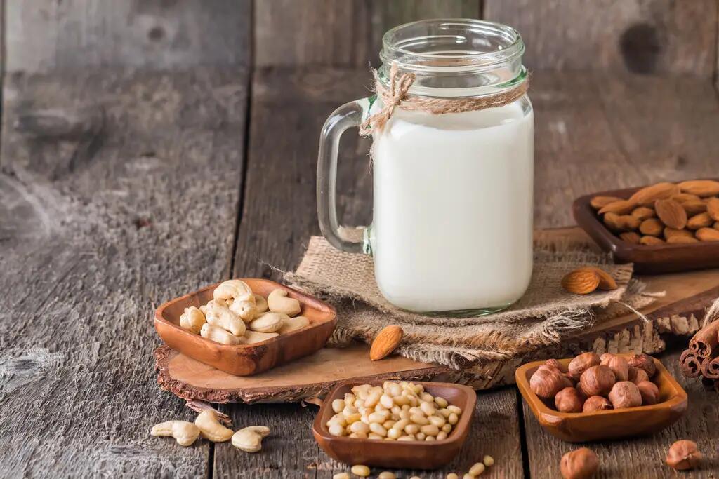植物奶营养可完全取代牛奶?专家称言之过早