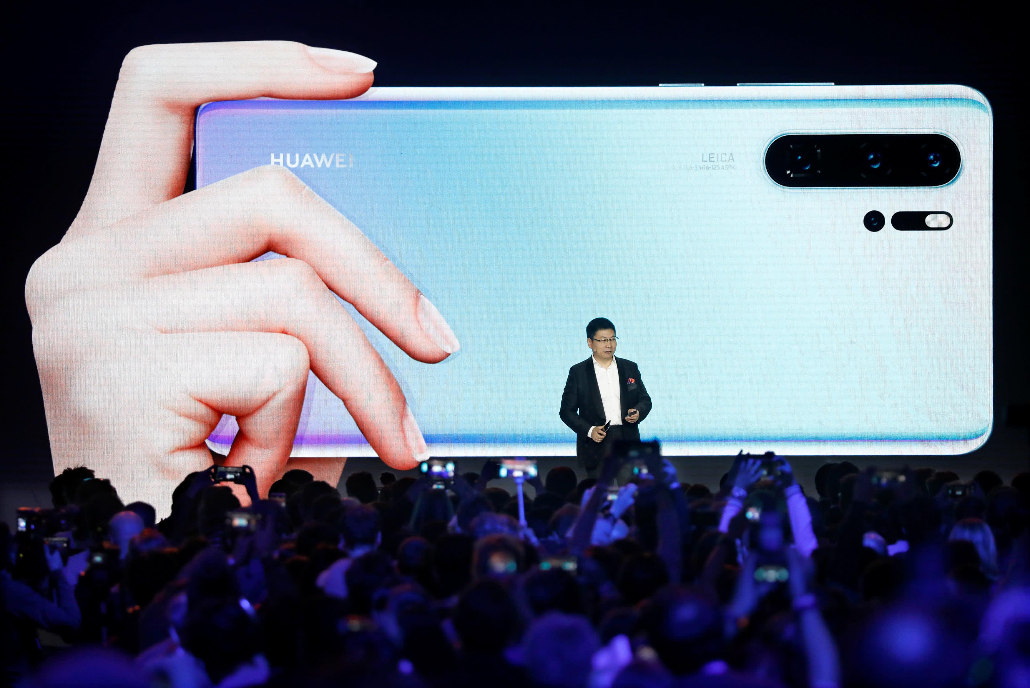 日媒:华为P30系列横空出世 剑指韩国三星Galaxy S10