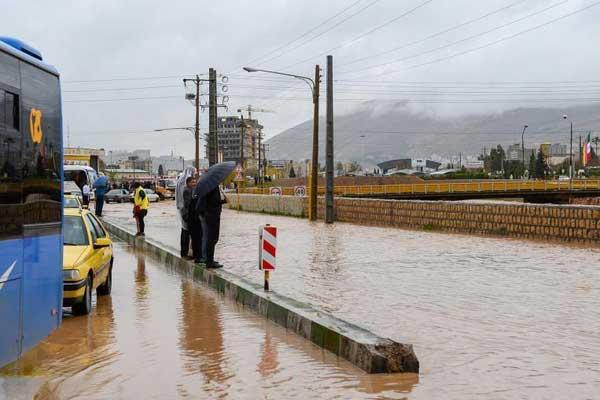 伊朗多地遭遇史无前例洪灾 城区成泽国