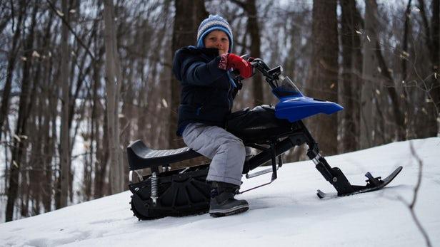 小型电动雪地摩托车专为儿童设计 可兼作滑板车