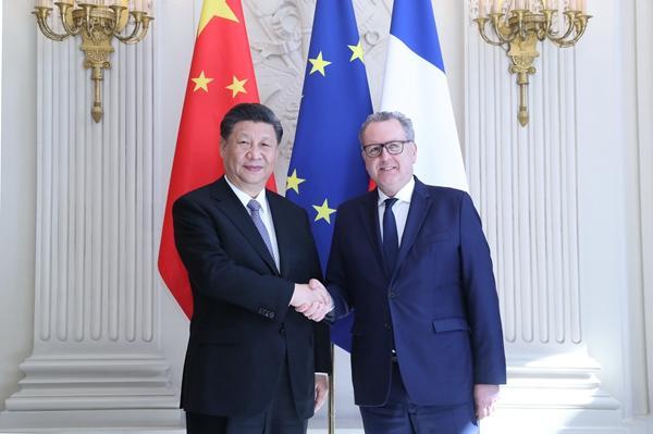 习近平会见法国国民议会议长