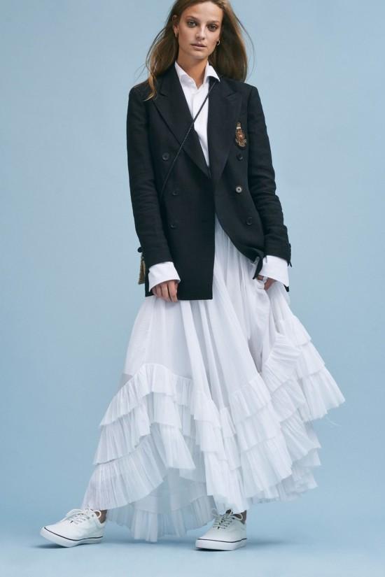 穿搭攻略 |用一款小白鞋,搭配今年初春最时髦的LOOK