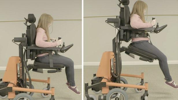 多功能AbleChair允许轮椅使用者升降站立或躺下