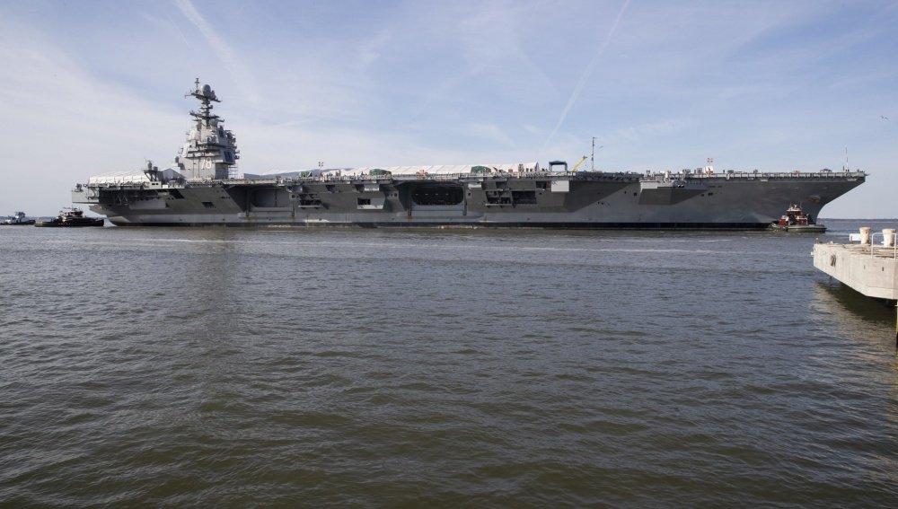 美国世界最强航母被曝动力故障 海试趴窝返厂大修