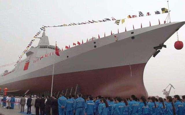"""国防部回应""""国产航母+055万吨大驱青岛受阅"""""""