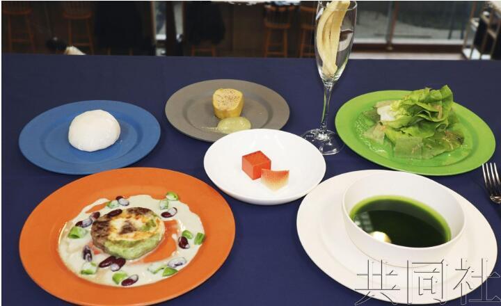 研究组织发布月球料理菜单:寿司、牛排和海藻汤