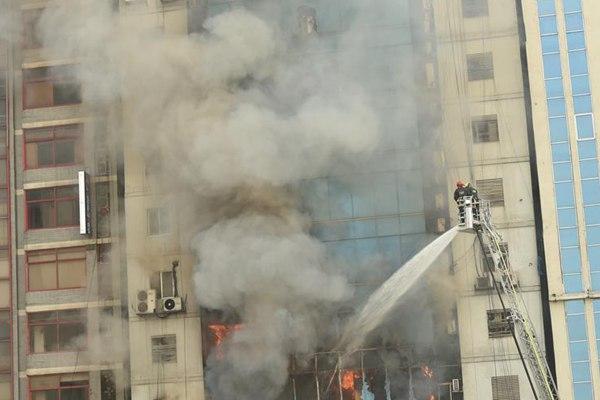孟加拉国首都高层建筑火灾死亡人数升至19人