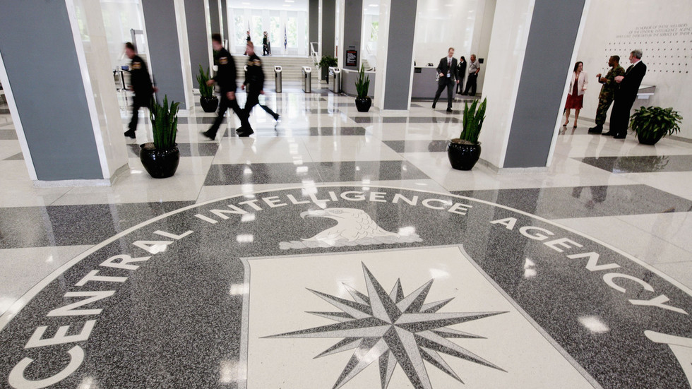 美国CIA招聘广告居然出语法错误?俄罗斯开启狂酸模式...