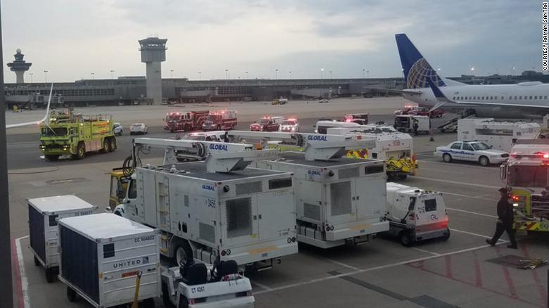 一架波音737迫降华盛顿 机舱
