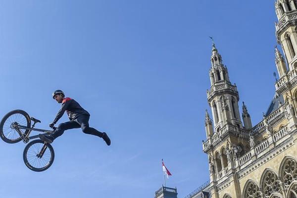 2019奥地利阿格斯自行车节在维也纳开幕 吸引大批爱好者