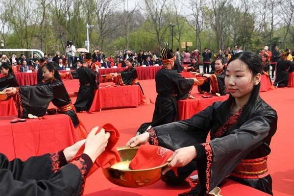 安徽:汉式婚礼展现古典魅力