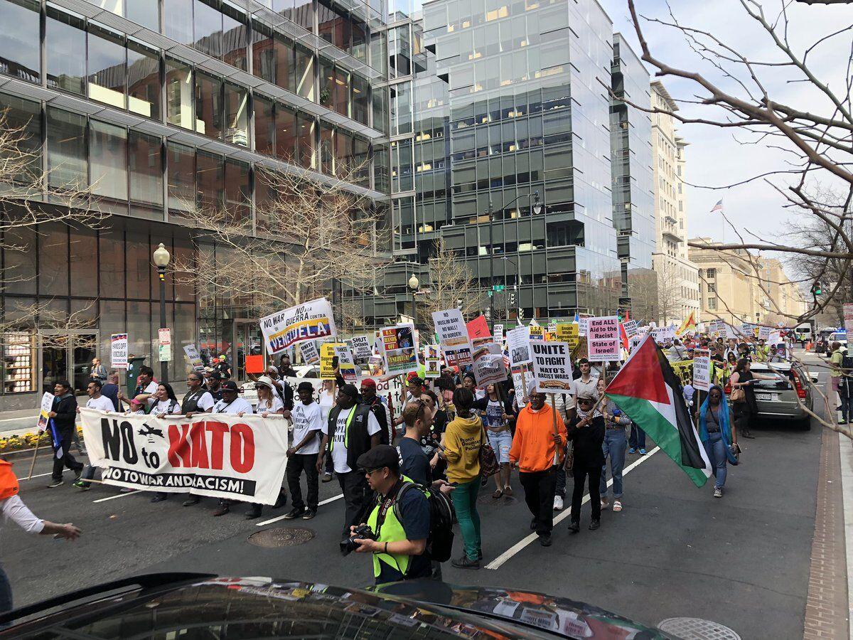 数百人走上街头 反对北约、战争、种族主义,和侵略委内瑞拉