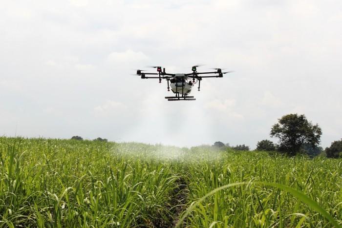 无人机打农药能赚多少钱?有人45天入手8万元