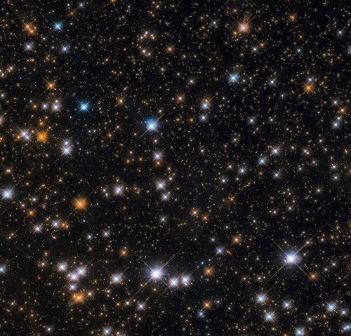 哈勃望远镜拍摄M11星团:星罗棋布 光芒熠熠
