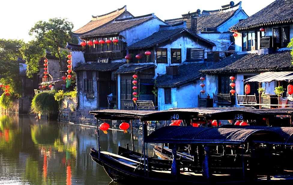 西塘古镇:白墙灰瓦雨如烟