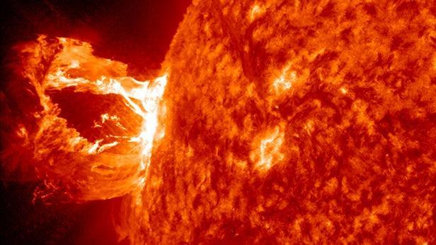 新研究称太阳磁场的强度可能比此前认为的强10倍