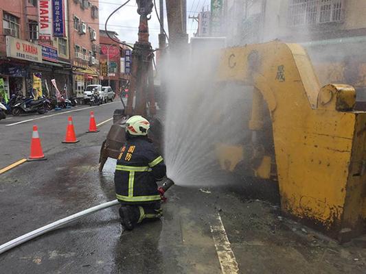 桃园瓦斯管线被挖破 市府污水工程委托企业闯祸