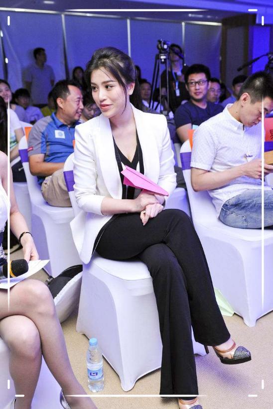 曾是刘翔前妻,离婚四年硬生生整成了网红脸,葛天近照认不出