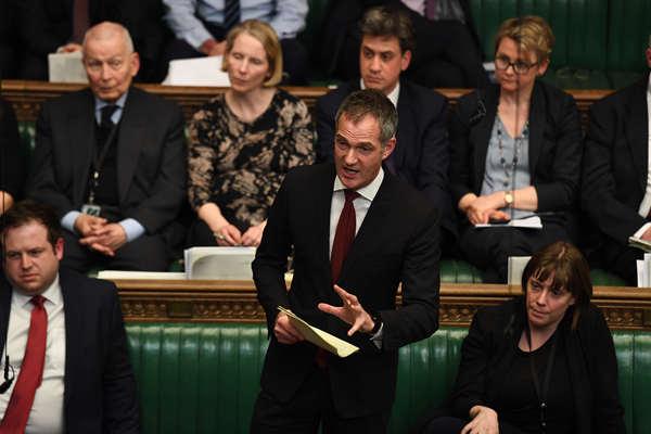 """英议会""""脱欧""""方案再度被否 保守党议员辞职"""
