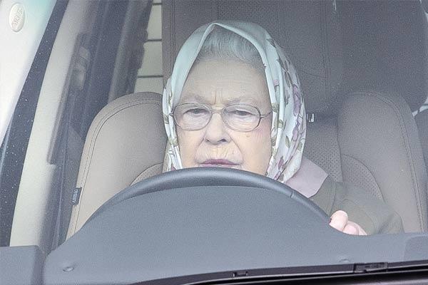 """菲利普亲王车祸两月后 """"老司机""""英国女王或放弃开车了"""