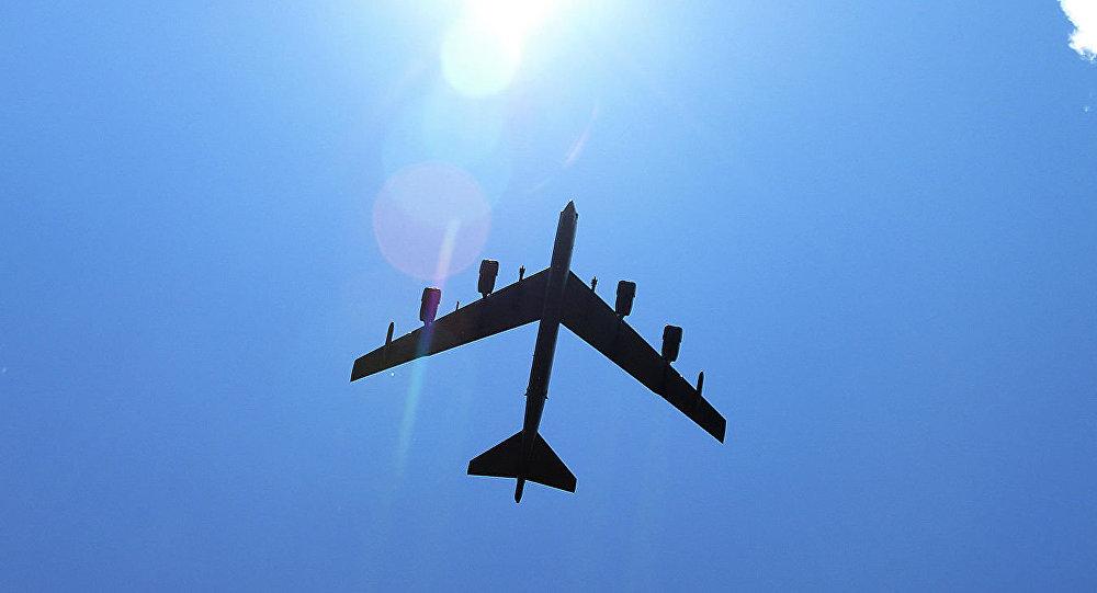 俄媒:美军又出动B-52对俄海军基地模拟轰炸